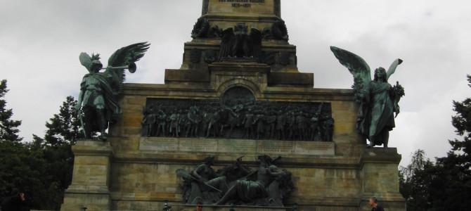 Das Niederwalddenkmal bei Rüdesheim